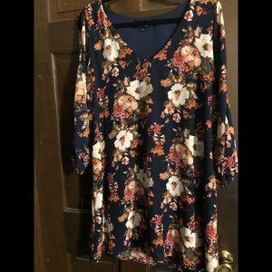 Lulu's size Large dark blue floral dress